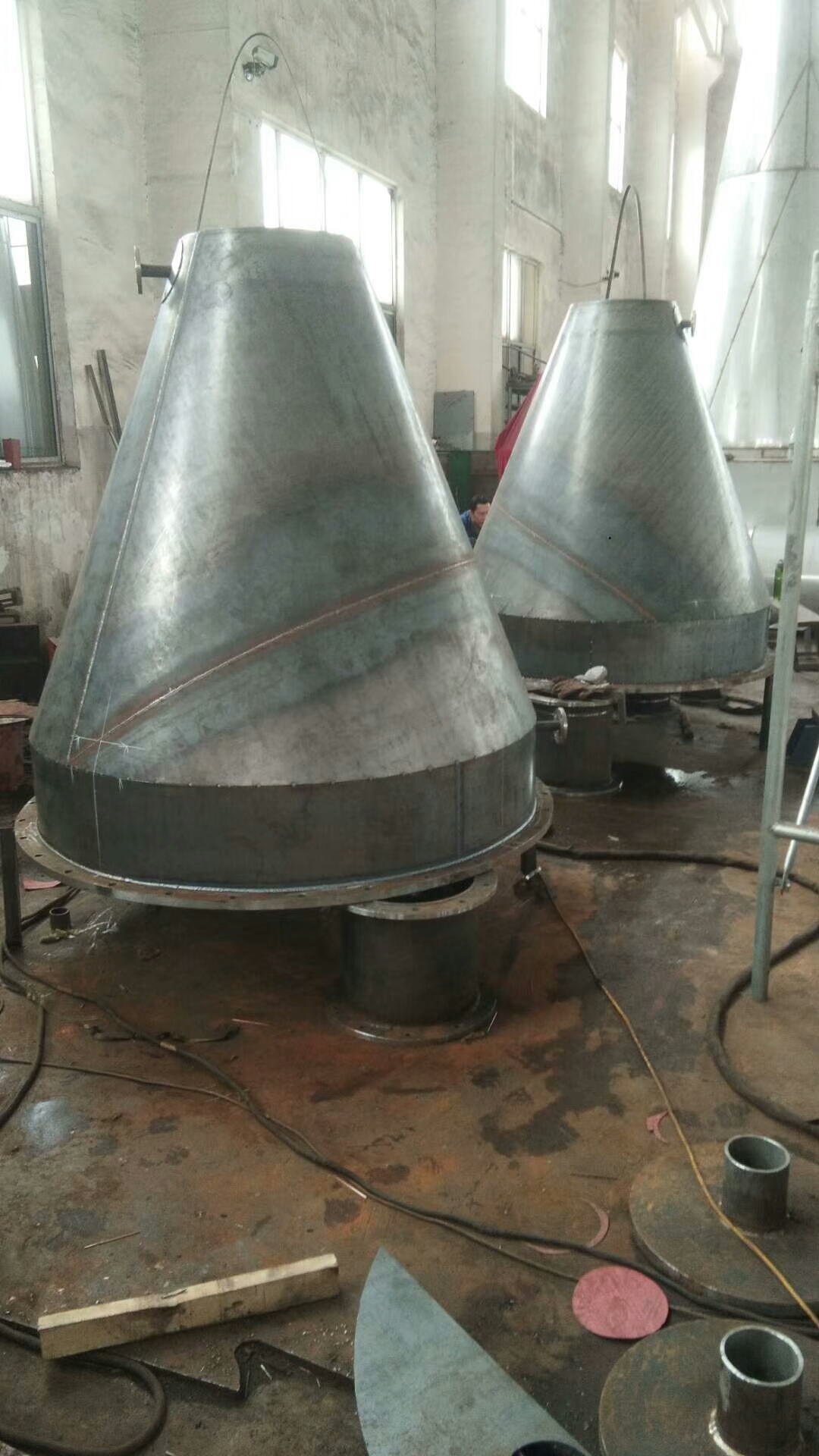 内加热锥形螺带真空干燥机